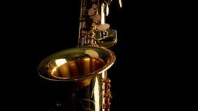 Περνώντας μπροστινή άποψη Saxophone απόθεμα βίντεο