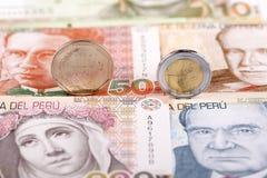 Περουβιανά νομίσματα κολλοειδούς διαλύματος στοκ φωτογραφία με δικαίωμα ελεύθερης χρήσης