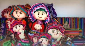 Περουβιανή πώληση κουκλών στο κατάστημα αναμνηστικών Cusco, Περού χειροποίητος στοκ εικόνα με δικαίωμα ελεύθερης χρήσης