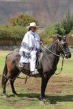 Περουβιανό Gaucho στο άλογο Paso σε Urubamba, ιερή κοιλάδα, Περού Στοκ φωτογραφίες με δικαίωμα ελεύθερης χρήσης