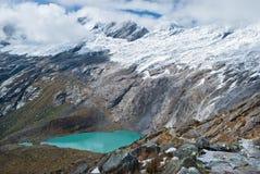 Περού - κοιτάξτε από το BLANCA οροσειρών στις Άνδεις - το Lagunas Morococha στοκ εικόνες με δικαίωμα ελεύθερης χρήσης