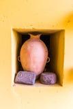 Περού Προ κολομβιανό βάζο Αρχαία γλυπτά των αζτέκικων και πετρών της Maya Στοκ φωτογραφία με δικαίωμα ελεύθερης χρήσης