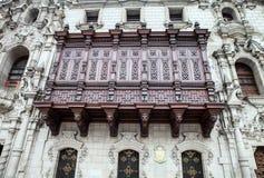 Περού, της Λίμα παραδοσιακός τα συμπαθητικά χαρασμένα ξύλινα μπαλκόνια Στοκ εικόνα με δικαίωμα ελεύθερης χρήσης