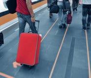 περπάτημα επιβατών στοκ φωτογραφίες με δικαίωμα ελεύθερης χρήσης