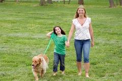 περπάτημα θορίου μητέρων κορών