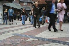 περπάτημα οδών ανθρώπων Στοκ Φωτογραφία