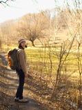 περπάτημα πάρκων κοριτσιών Στοκ Εικόνα