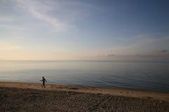 περπάτημα παραλιών Στοκ φωτογραφίες με δικαίωμα ελεύθερης χρήσης