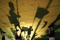Περπάτημα σκιών Στοκ εικόνες με δικαίωμα ελεύθερης χρήσης