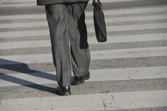 Περπάτημα στην εργασία Στοκ φωτογραφία με δικαίωμα ελεύθερης χρήσης