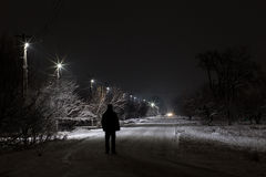 Περπάτημα στη νύχτα στοκ εικόνες