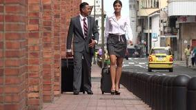 περπατώντας γυναίκα επιχ&ep απόθεμα βίντεο