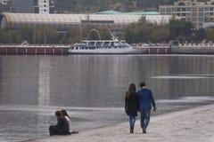 Περπατώντας ζεύγος Στοκ φωτογραφίες με δικαίωμα ελεύθερης χρήσης