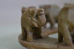 Περπατώντας παιχνίδι ελεφάντων στοκ εικόνες