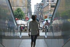 Περπατώντας σε στο κέντρο της πόλης Yangon, Βιρμανία στοκ φωτογραφία με δικαίωμα ελεύθερης χρήσης
