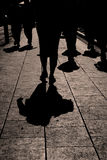 Περπατώντας σκιαγραφίες Στοκ Φωτογραφία