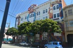 Περπατώντας τις οδούς του Σαν Φρανσίσκο βρίσκουμε την αποστολή Διακοπές Arquitecture ταξιδιού Στοκ Εικόνες