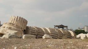 Πεσμένη στήλη στο ναό των καταστροφών Αθήνα zeus απόθεμα βίντεο