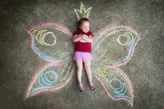 Πεταλούδα μικρών κοριτσιών, ΔΥΣΑΡΕΣΚΕΙΑ Στοκ εικόνες με δικαίωμα ελεύθερης χρήσης