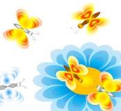 Πεταλούδες και ένα λουλούδι Στοκ φωτογραφία με δικαίωμα ελεύθερης χρήσης