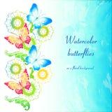 Πεταλούδες Watercolor σε ένα floral υπόβαθρο Στοκ Εικόνα