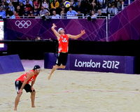 Πετοσφαίριση παραλιών Ολυμπιακών Αγώνων 2012 του Λονδίνου Στοκ Εικόνες