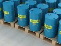 Πετρέλαιο μηχανών στην ξύλινη παλέτα Στοκ εικόνες με δικαίωμα ελεύθερης χρήσης