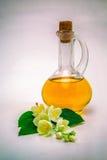 Πετρέλαιο της Jasmine, λουλούδια Στοκ Φωτογραφίες