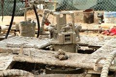 Πετρελαιοπηγή που εγκαταλείπει τον τόπο του έργου στοκ εικόνες