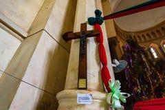 ΠΕΤΡΙΝΗ ΠΟΛΗ, ZANZIBAR - 9 ΙΑΝΟΥΑΡΊΟΥ 2015: Ξύλινη σταύρωση στον καθεδρικό ναό εκκλησιών Χριστού στοκ φωτογραφία με δικαίωμα ελεύθερης χρήσης