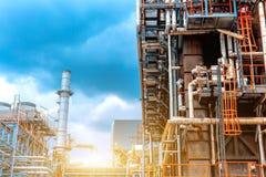 Πετροχημικό διυλιστήριο πετρελαίου, πετρέλαιο και βιομηχανία φυσικού αερίου εγκαταστάσεων καθαρισμού, ο εξοπλισμός του καθαρισμού Στοκ φωτογραφίες με δικαίωμα ελεύθερης χρήσης