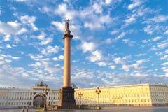 Πετρούπολη Στήλη του Αλεξάνδρου Στοκ φωτογραφία με δικαίωμα ελεύθερης χρήσης