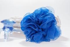 Πετσέτα χεριών έννοιας SPA και μπλε εξοπλισμός Στοκ φωτογραφία με δικαίωμα ελεύθερης χρήσης