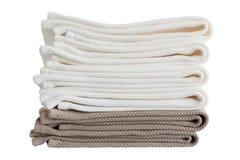 Πετσέτες λουτρών στο σωρό απομονωμένος Στοκ εικόνες με δικαίωμα ελεύθερης χρήσης