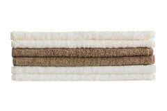 Πετσέτες λουτρών στο σωρό που απομονώνεται Στοκ Εικόνες