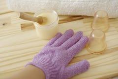 πετσέτες πετρών χαβιαριών σωμάτων λουτρών εξαρτημάτων gem milk soap spa τράπεζες μασάζ, ξεφλούδισμα Επεξεργασίες σώματος στοκ εικόνες με δικαίωμα ελεύθερης χρήσης