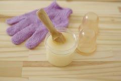 πετσέτες πετρών χαβιαριών σωμάτων λουτρών εξαρτημάτων gem milk soap spa τράπεζες μασάζ, ξεφλούδισμα Επεξεργασίες σώματος στοκ εικόνες