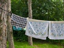 Πετσέτες που κρεμούν για να ξεράνει Στοκ Εικόνες