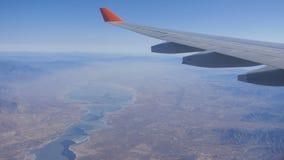 Πετώντας αεροπλάνο φτερών αεροπλάνων απόθεμα βίντεο