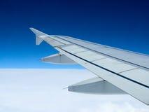 Πετώντας αεροπλάνο φτερών Στοκ φωτογραφίες με δικαίωμα ελεύθερης χρήσης
