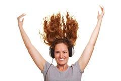 πετώντας γυναίκα ακουσ&tau Στοκ εικόνα με δικαίωμα ελεύθερης χρήσης