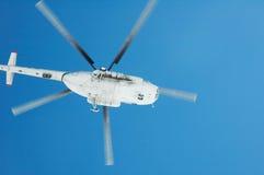 Πετώντας ελικόπτερο Στοκ εικόνα με δικαίωμα ελεύθερης χρήσης