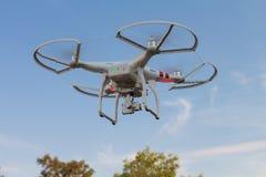 Πετώντας ελικόπτερο κηφήνων Στοκ εικόνα με δικαίωμα ελεύθερης χρήσης