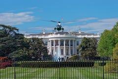 Πετώντας ελικόπτερο μπροστά από το Λευκό Οίκο Στοκ εικόνες με δικαίωμα ελεύθερης χρήσης