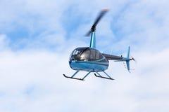 Πετώντας ελικόπτερο Στοκ Εικόνες