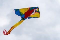 Πετώντας ικτίνος στον αέρα Στοκ φωτογραφία με δικαίωμα ελεύθερης χρήσης