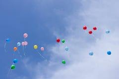 Πετώντας μπαλόνια στον ουρανό Στοκ Εικόνες