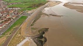 Πετώντας πέρα από παραλία Llandudno, Ουαλία - Ηνωμένο Βασίλειο απόθεμα βίντεο