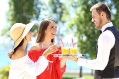 Πελάτες ξενοδοχείων στις θερινές διακοπές Στοκ Εικόνες
