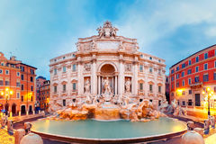 Πηγή ή Fontana Di TREVI TREVI στη Ρώμη, Ιταλία στοκ εικόνες